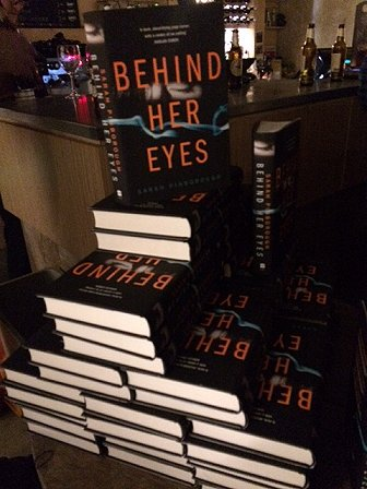 Behind Her Eyes, by Sarah Pinborough