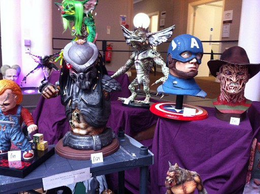 Model display: Chucky, Predator, Gremlin, Captain America, Freddie Kreuger