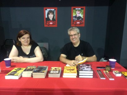 Marie O'Regan and  Paul Kane, signing at Sheffield HorrorCon
